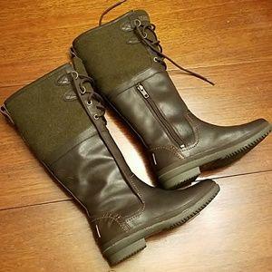 Ugh waterproof boots.
